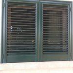persiana verde di una finestra